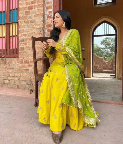 Appealing Yellow Color Wedding Wear Banglori Satin Diamond Embroidered Work Salwar Suit For Women