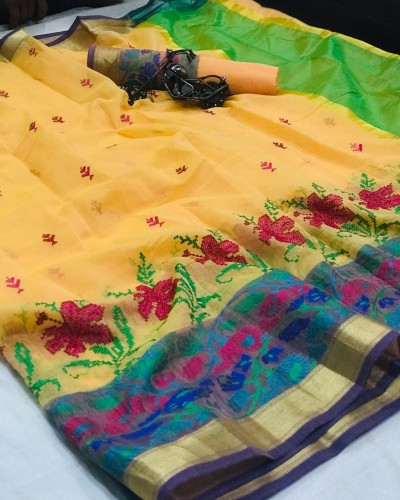 Capricious Light Yellow Cotton With Kashmiri Thread Work Saree VT3022116G